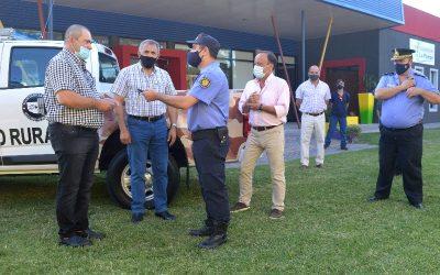 Se entregó camioneta al Destacamento Policial: Di Nápoli y Lara presentes en el acto